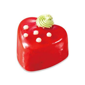 真っ赤なストロベリーケーキ