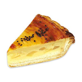 五郎島金時芋とりんごのパイ